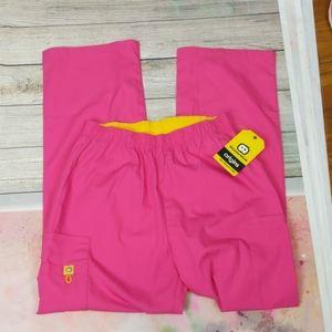 Wonder wink pink scrub pants size medium